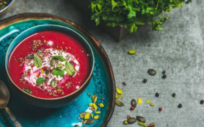 Vegan soup with beetroot and finch.