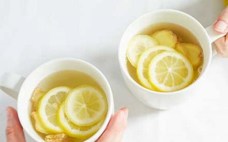 A detoxifying decoction with lemon and ginger